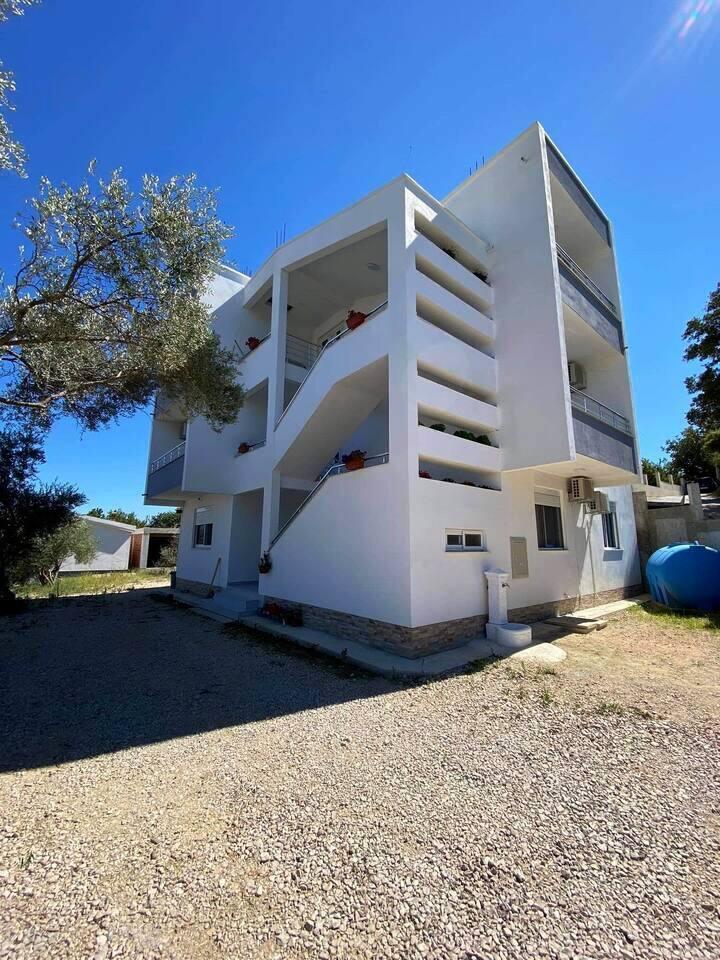 Private Rooms DitiJoni Apartments