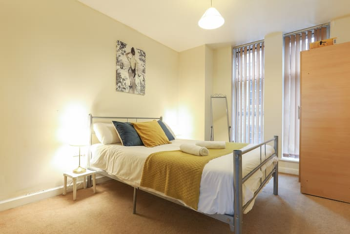 Alina Luxury Apartments offers this 2 bed en-suite