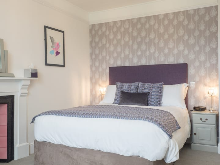 Farmhouse King en suite Bed and Breakfast Room