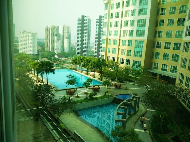 2BR lux apt connected to Gandaria City mall