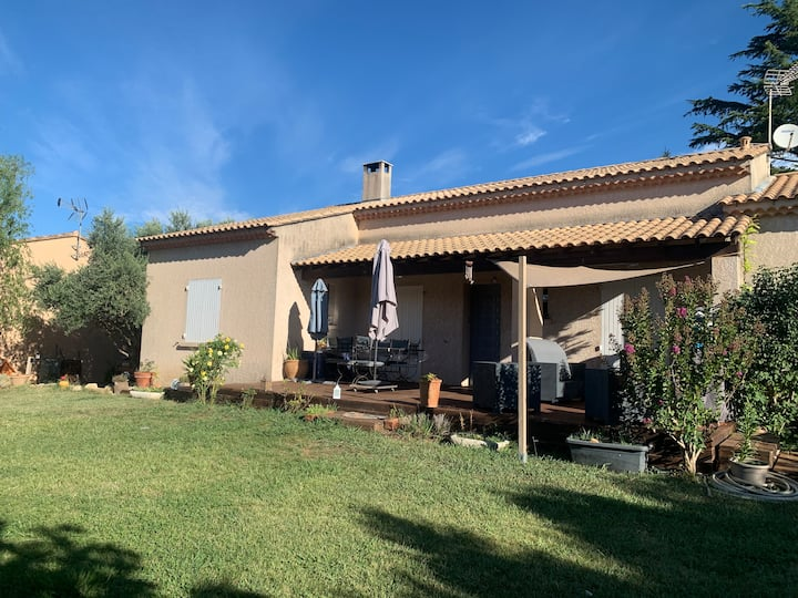 Villa entre Aix et Avignon proche  autoroute