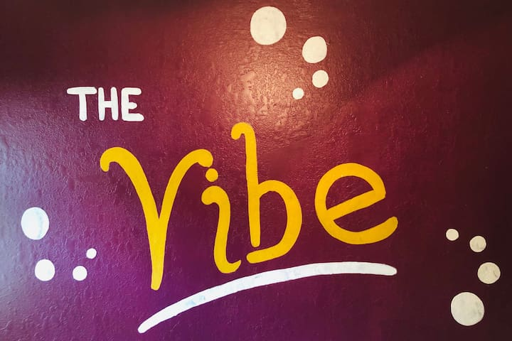 """The Vibe"" on 3rd Street"