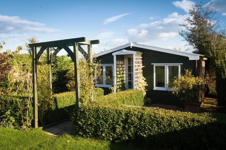 Cosy log cabin hideaway in rural Suffolk