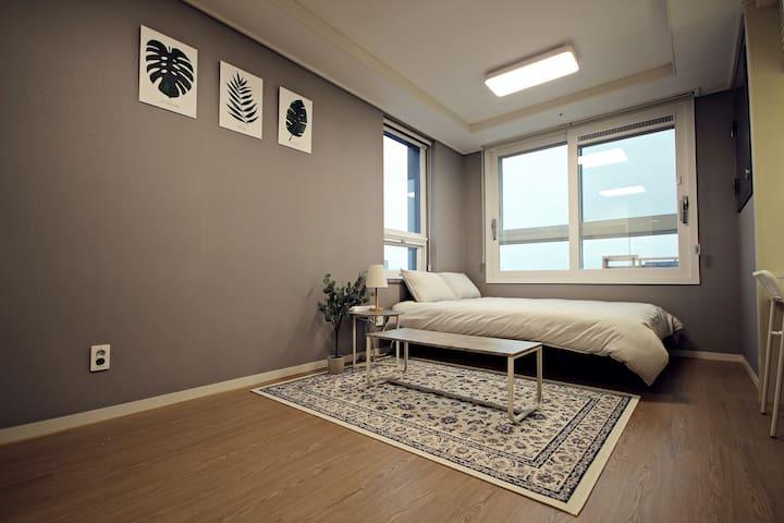 #2 COZY HOUSE, 깨끗하고 아늑한 집/터미널 1분 거리/출장/휴가