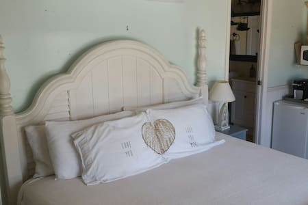 Coquina Cottage - Fort Myers Beach