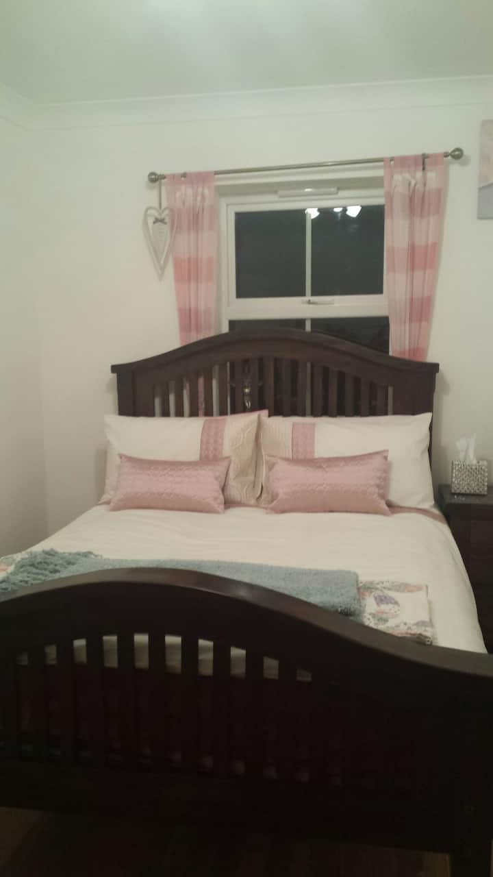 Cosy Double bedroom with double bed
