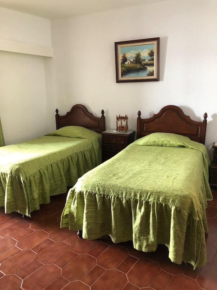 Olinda's Rooms - Twin Room in Lagos City Center