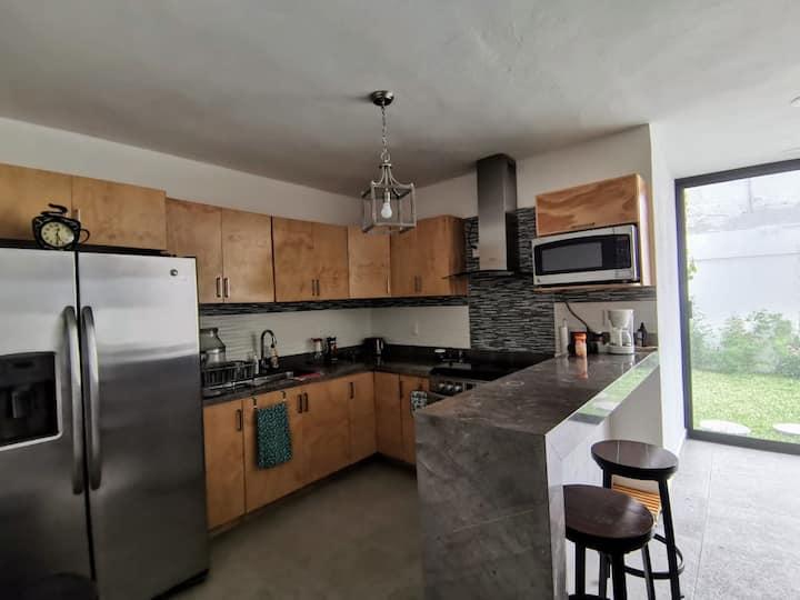 Residencia nueva a 300 Mts de la calle Hidalgo