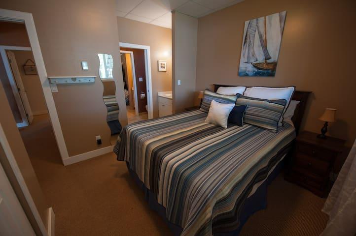 Bedroom 4 Queenbed