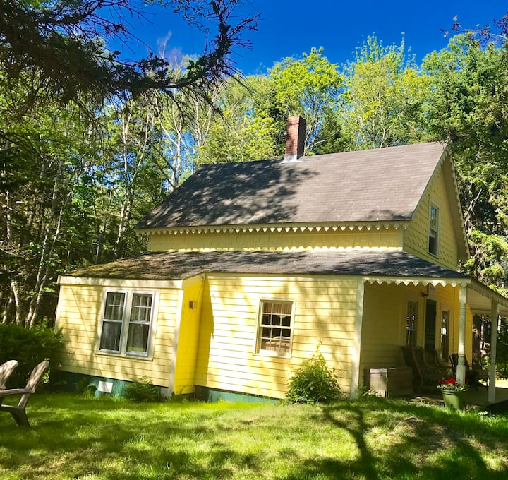 Secluded, Sleeps 6+, Peaks Island *Book for 2021!*