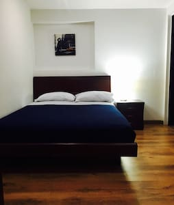 New! Private room with private Bath near Zona Rosa - 波哥大(Bogotá)