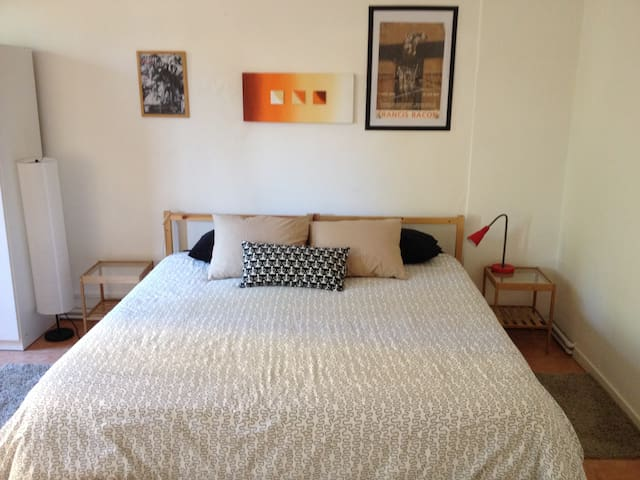 Huge Double Room in Venice near train/bus station