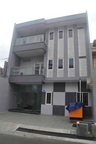 Dahlia Residence - Semarang Tengah - Penzion (B&B)