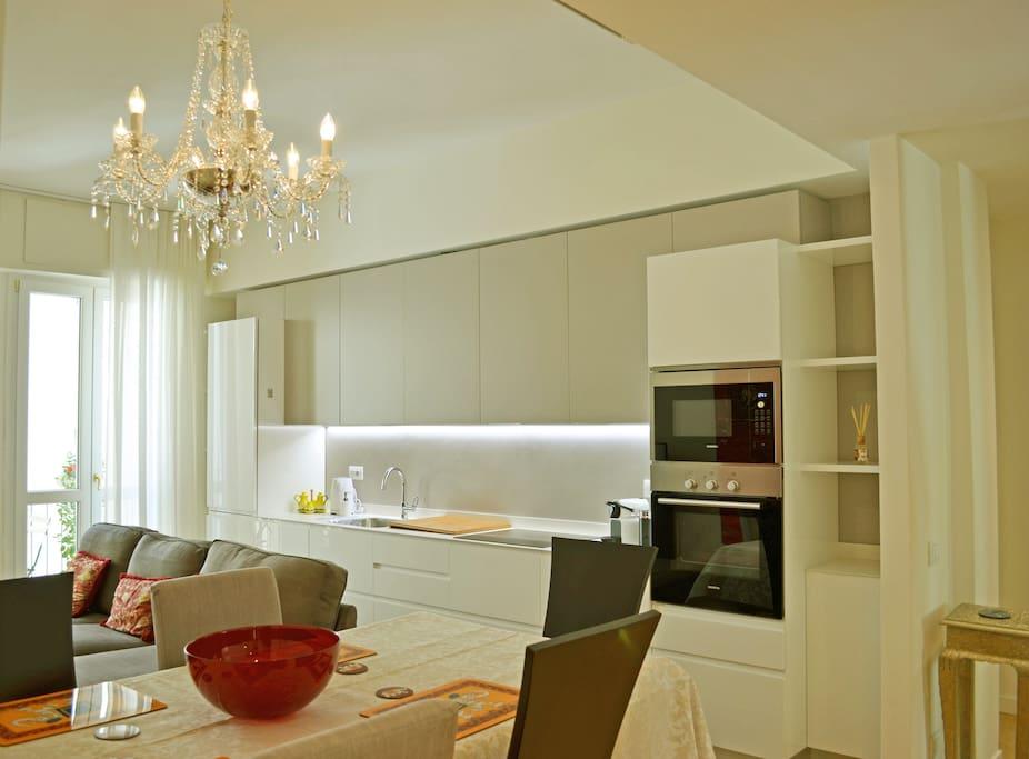 Accogliente soggiorno-cucina