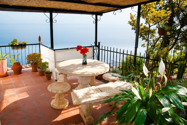 Fabulous sea views over the Riviera - Grimaldi di Ventimiglia - Apartamento