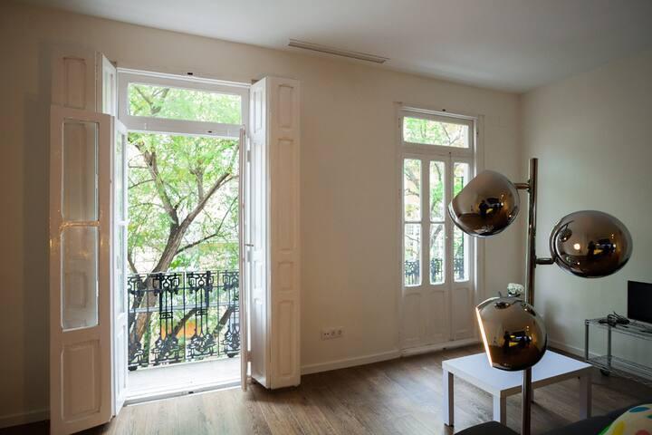 STYLISH SUNNY APT. IN CITY CENTER - Valencia - Apartment