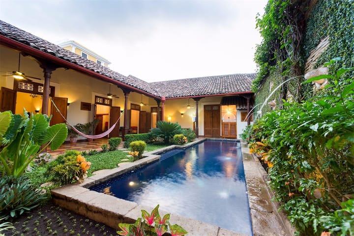 Casa Blanca, Beautiful 250 yo Villa