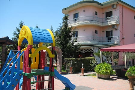 Drini Hotel Single Room with Balcony