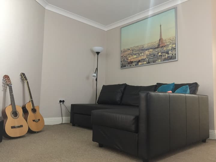 Cosy 2 bedrooms apartment in the city centre