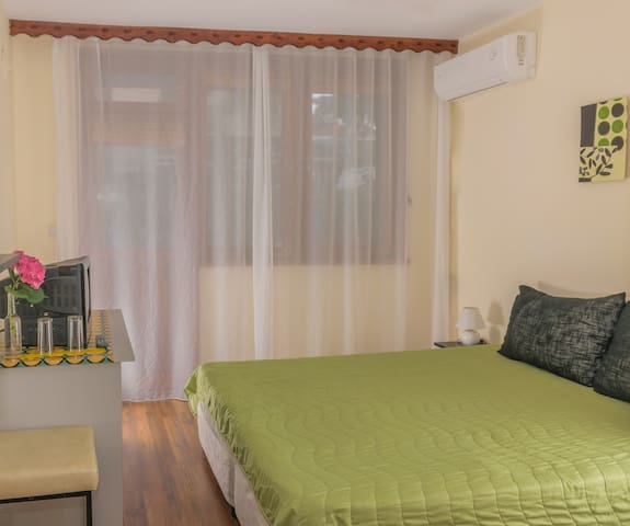 Stylish double room in Chernomorets by Sozopol