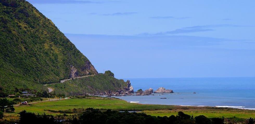 RATAVIEW - 180 degree sea view!