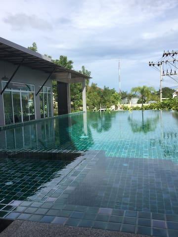 NAKA CONDON -002 房间干净整洁,卫生! - Mueang Pon - Apartment