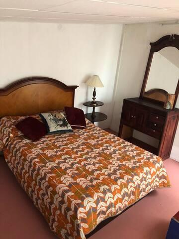 Lovely 6 bedroom/10min Tlaq/Gdl centro/Fórum/
