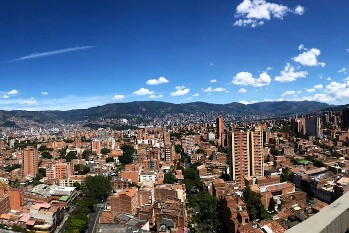 comfortable apartment amazing view to medellin.
