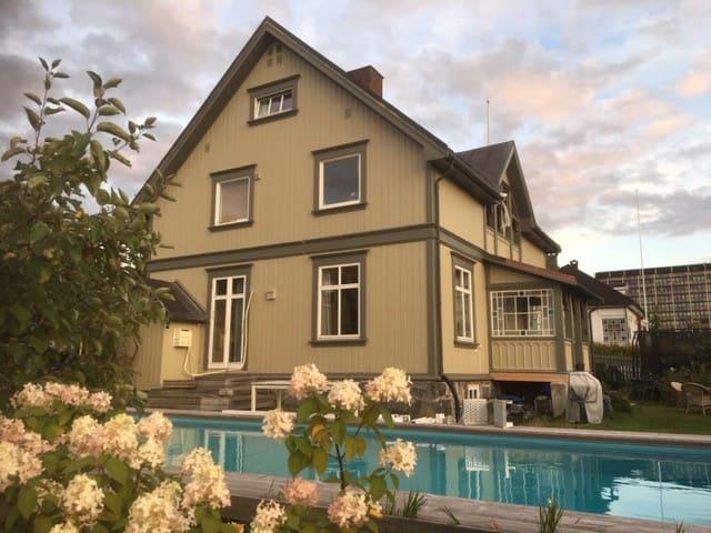 Lillehammer sentrum - stor villa