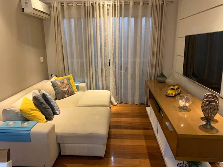 Apartamento Espetacular com Piscina Aquecida!!