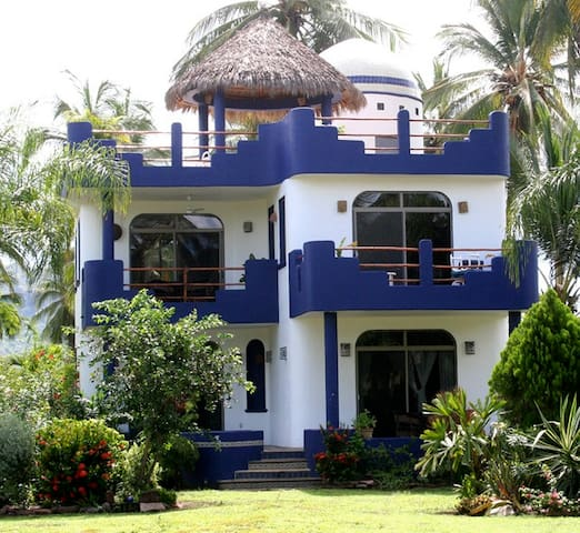 Casa Luna at Playa las Tortugas