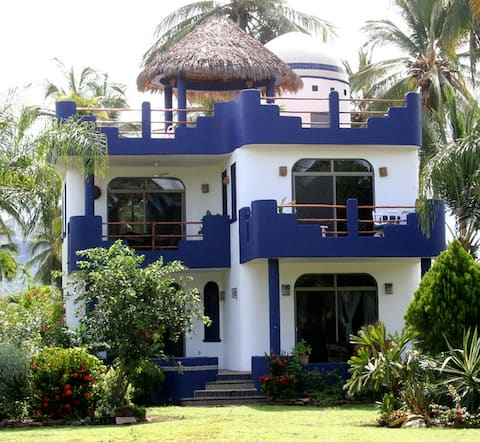 Casa Luna at Playa las Tortugas