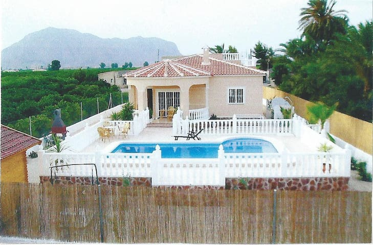 Pretty Villa with Pool - Orihuela