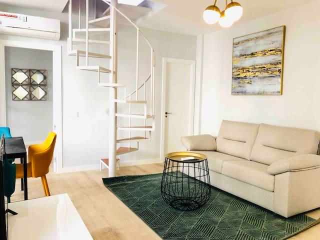 Atocha Premium Duplex Apartment 6 Pax 2Bd 2Bth