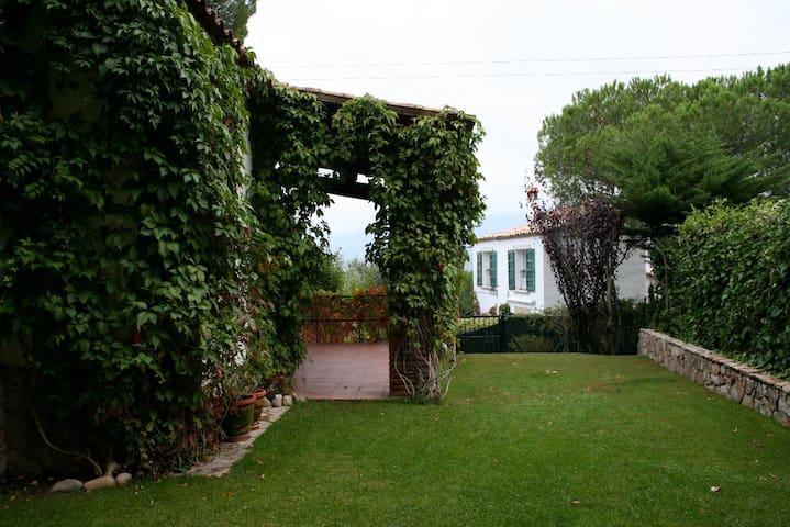 Chalet with garden in Costa Brava