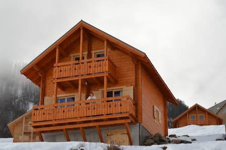 Chalet neuf en bois station de ski  - Réallon