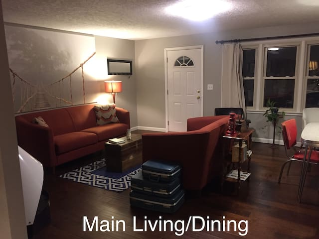 Mid-Century Comfort: Two Bedrooms