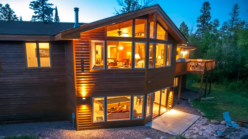 GRAND RETREAT: Roomy Timber Frame Home, FREE Wi-Fi - Lutsen - Dom
