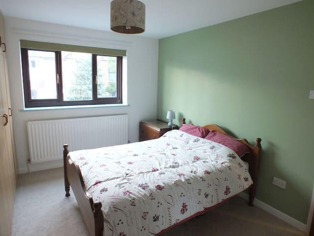 Double bedroom in Weymouth