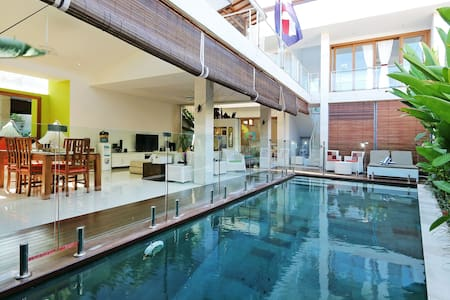Canggu Villa with a Fenced Pool 4 piece of mind - North Kuta