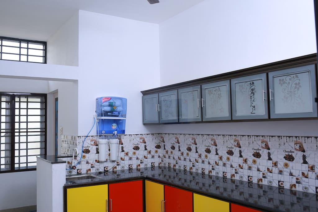 Kitchen with water purifier