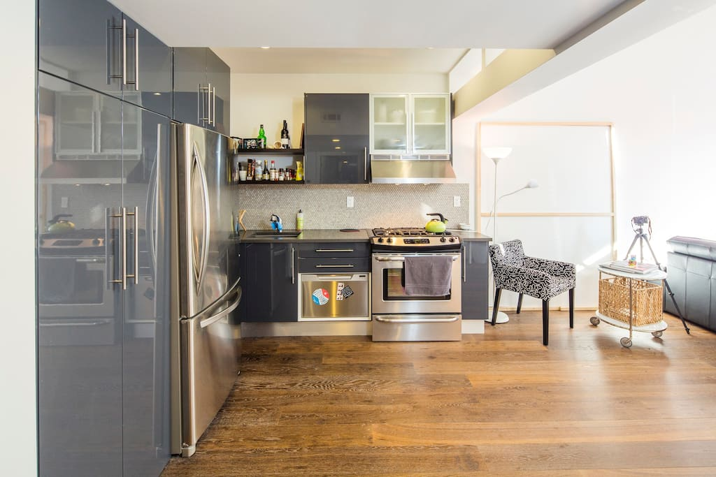 Kitchen - help yourself to tea or coffee and feel free to use the amenities
