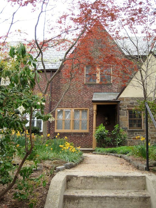 It's a 1930 Tudor-style rowhome with lots of charming accents.