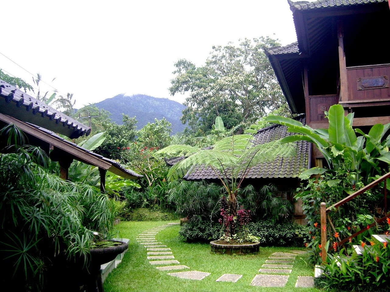 Nestled high on the eastern slopes of Mount Batukaru in Central Bali is Bali Mountain Paradise !