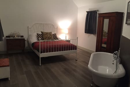 Our beautiful  boutique Cambridgeshire retreat is available for Christmas and New Year bookings. We have 5 unique units, each sleeping 4 people, so please get in touch if you're looking for a peaceful country pad at which to relax and celebrate.