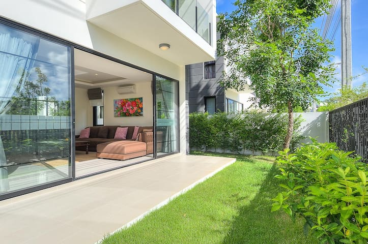 Villa Nata with pool and 800 m away from beach - チョンターレ - 別荘
