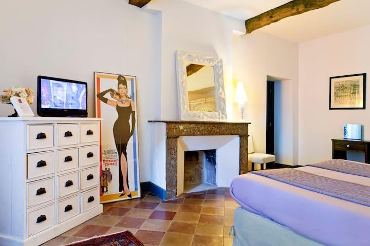 Chambre d'hôtes au château viticole - Lagrave - Bed & Breakfast