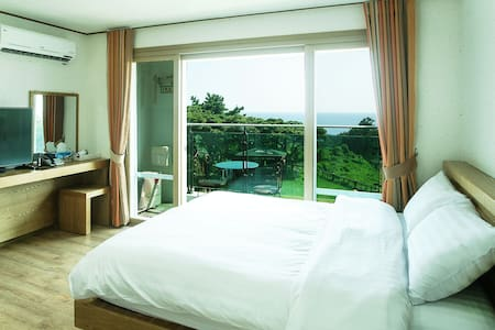 bowoohill resort & pension - Daepo-dong, Seogwipo