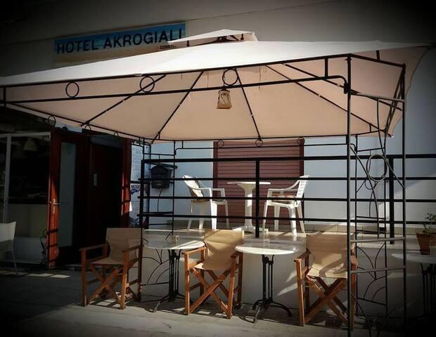 Akrogiali Hotel in Neos Pyrgos, Evoia