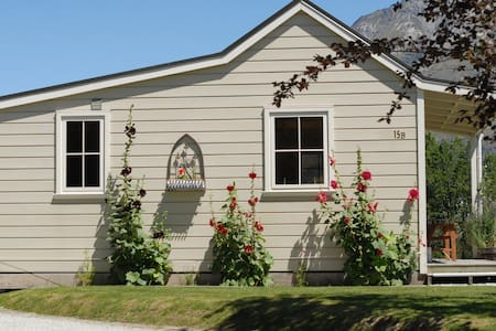 Charming  Glenorchy Cottage - Glenorchy - Zomerhuis/Cottage